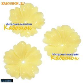 Цветок (имитация коралла) 32 мм бежевый (уценка)