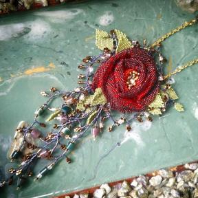 Мастер-класс по плетению «Роза» от Rinabead