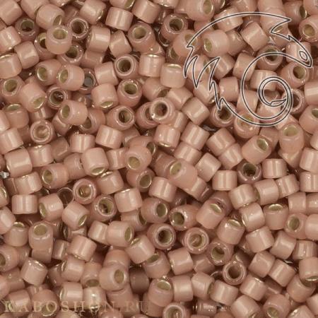 Бисер Delica 11-0 Внутреннее серебрение молочный устрица