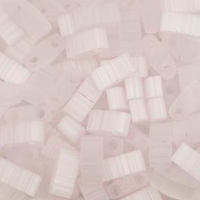 Бисер Half Tila Сатин (шелк) светло-розовый