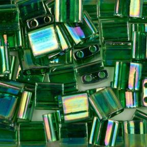 Бисер Tila Глянцевый прозрачный зеленый